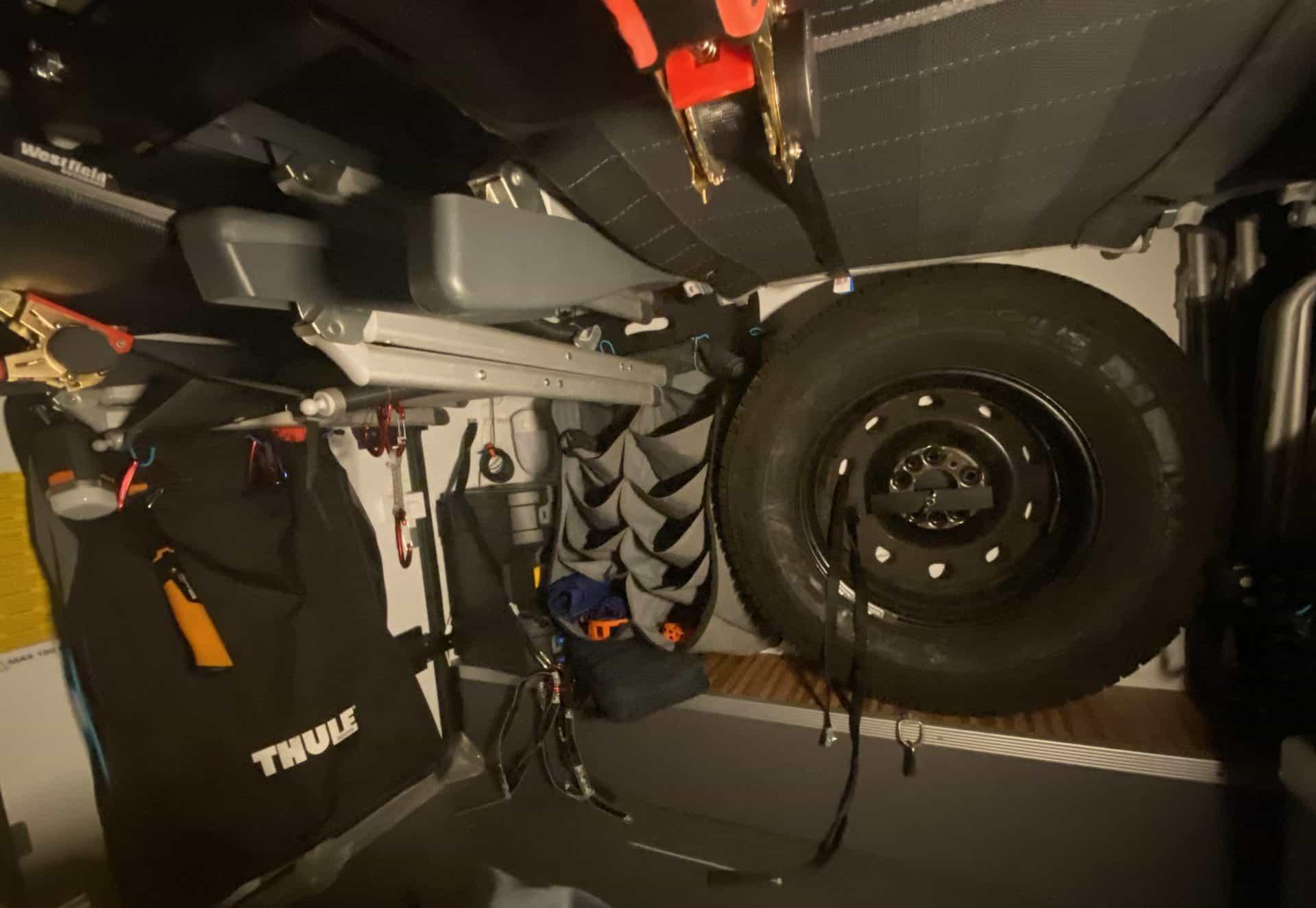 AUVON-wiederaufladbare-Garagen-Beleuchtung-eingeschaltet