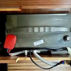 Blei_Batterie_Leooch_LPL12-100_eingebaut