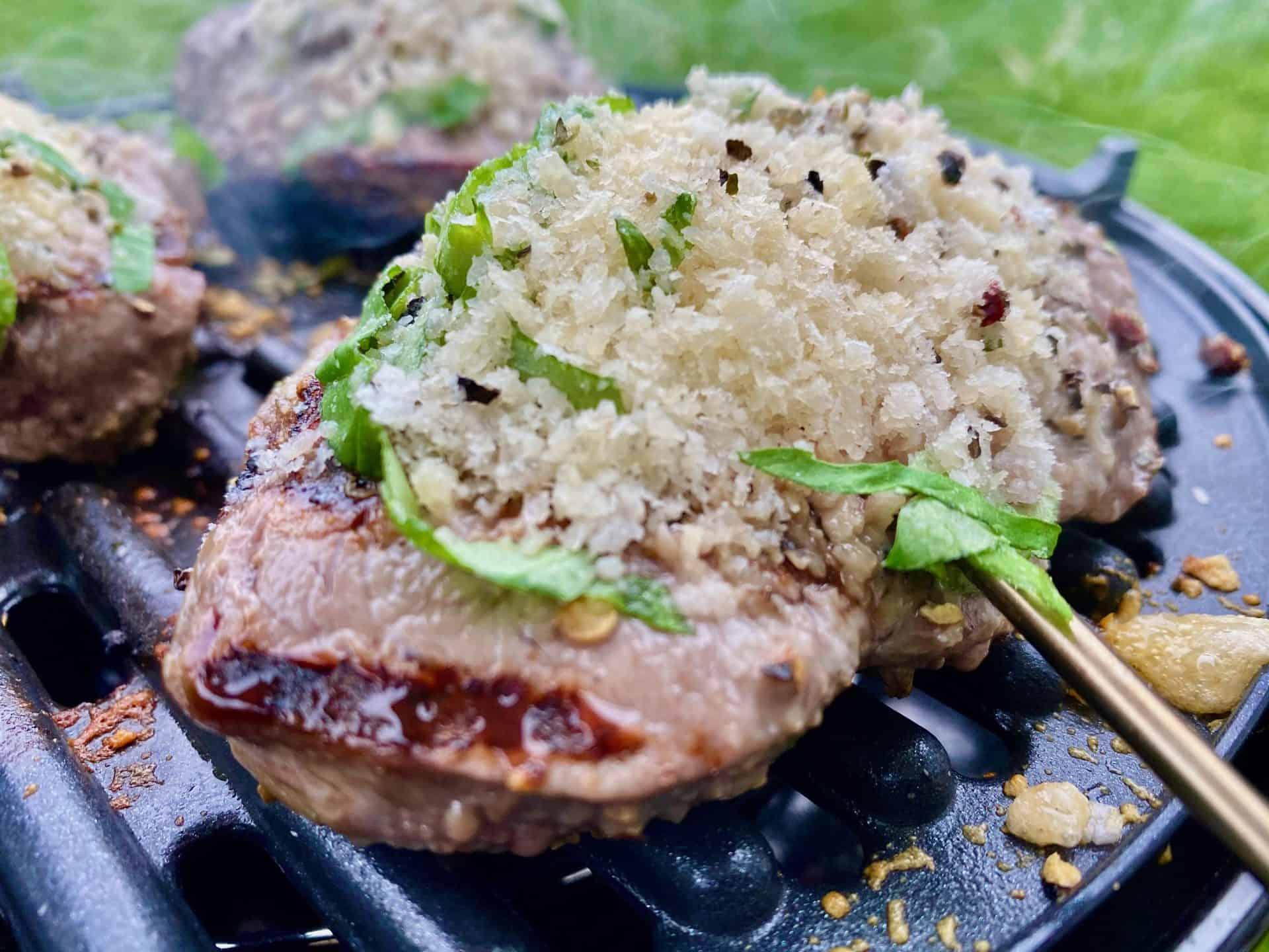 Cadac_Safari_Chef_2_Steak_mit_Parmesan_Basilikum