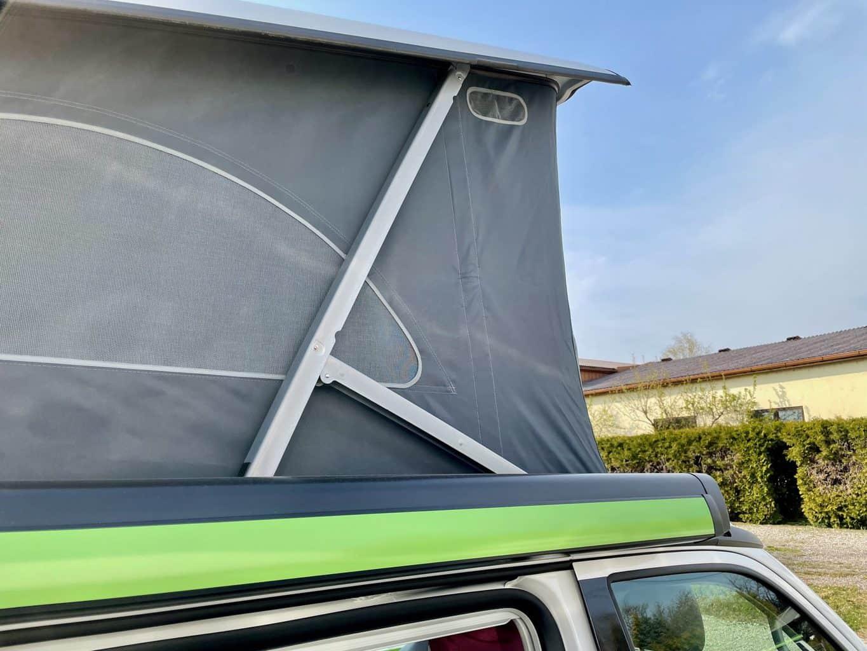 Camerboys-Camper-Wohnmobil-Vermietung-VW-Beach-Ocean-Grand-California-Aufstelldach-offen