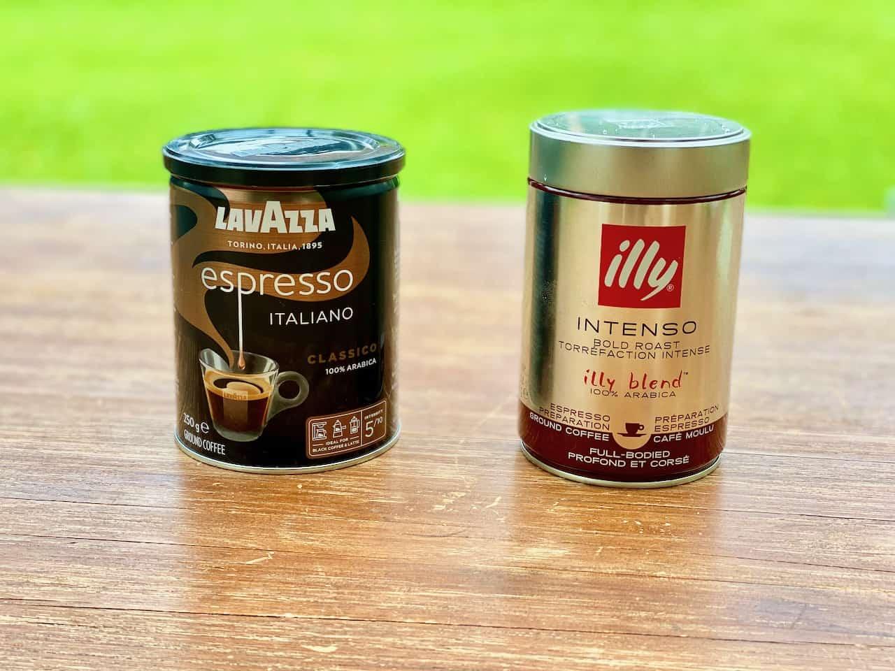 Camping-und-Kaffee-Lavazza-Classico-Illy-Intenso-aus-der-Bialetti