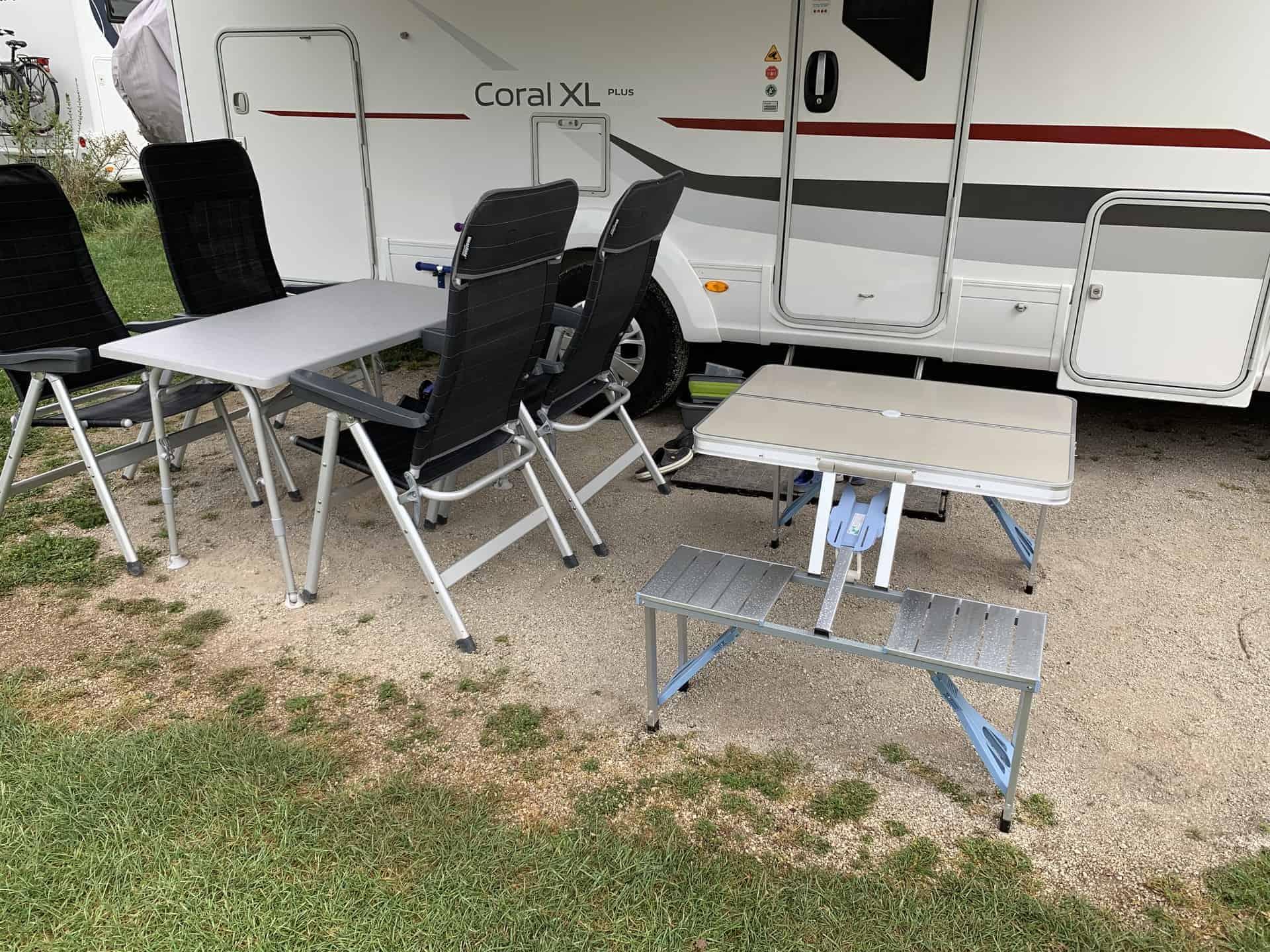Camping_Fasshotel_Beilgries_Der_neue_Kindertisch
