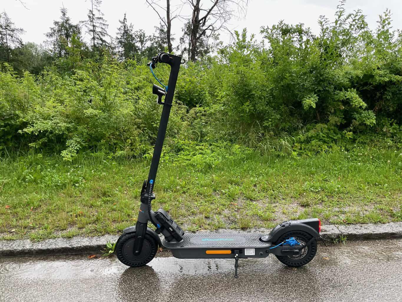 E-Scooter-ePF-1-PRO-bei-Regen