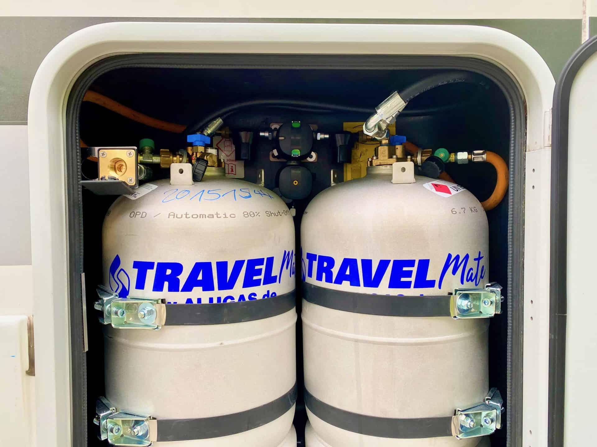 Gastankflaschen-im-Standard-Gaskasten-camperhelp-Wohnmobil