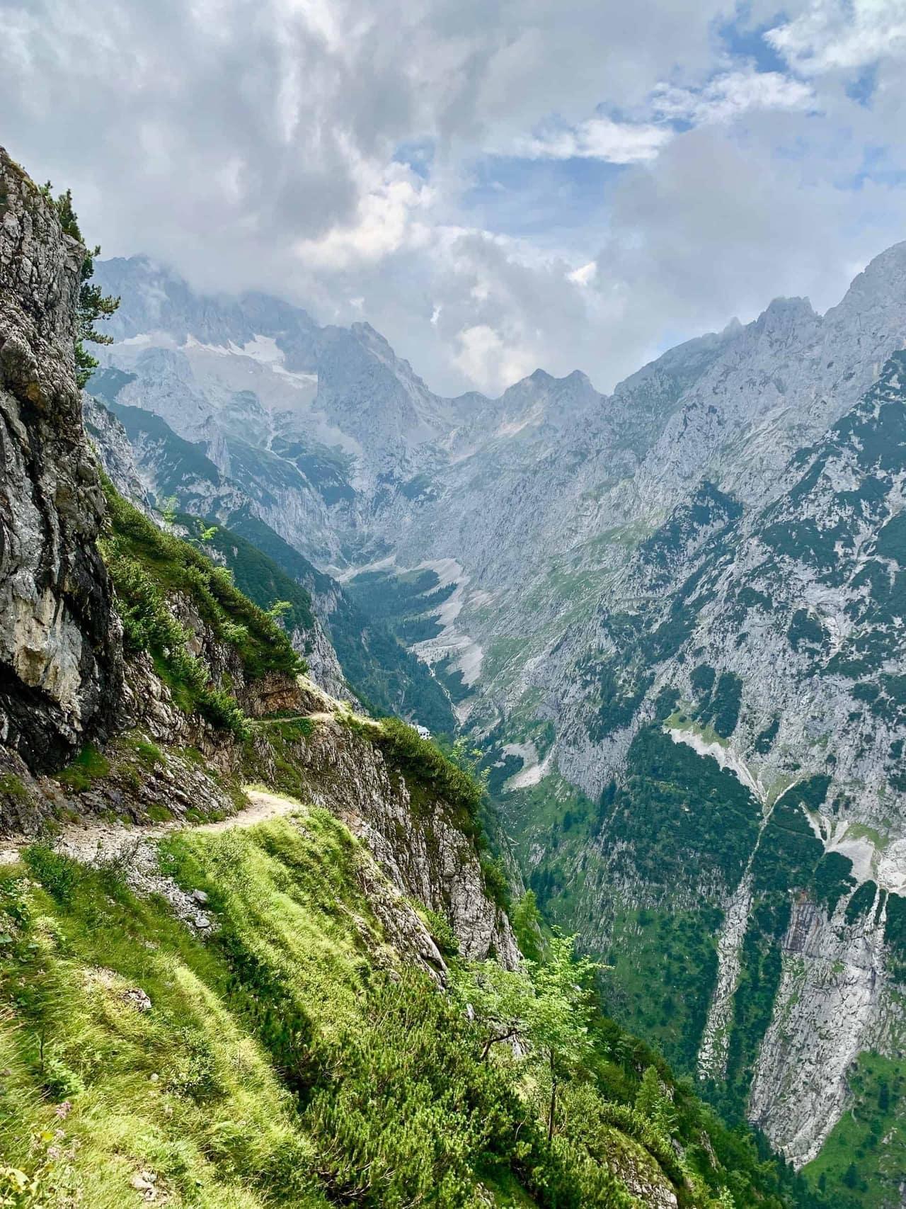 Hupfleitenjoch_Ein_letzter_Blick_zurück_Richtung_Zugspitze