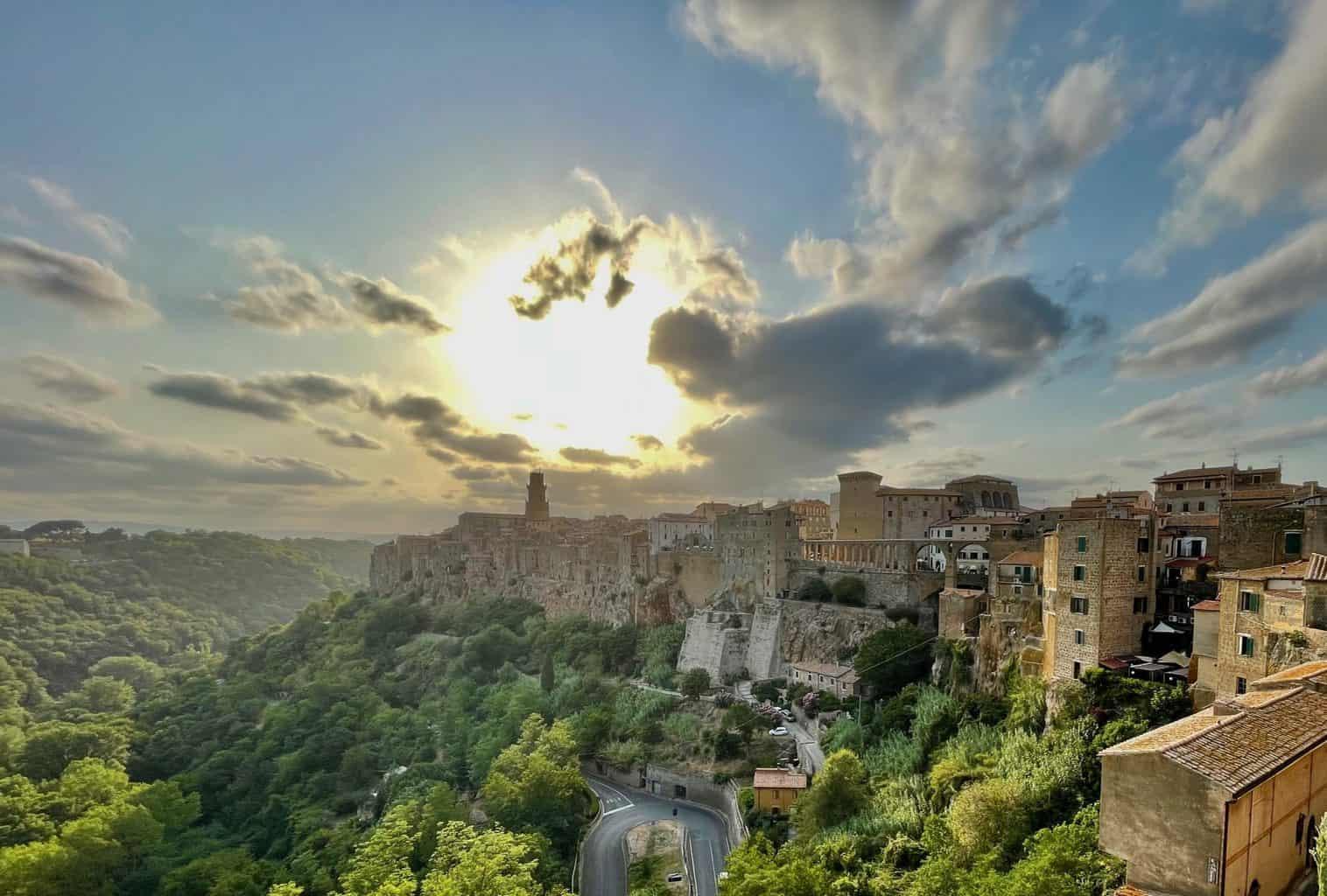 Italien-Altstadt-Farnese-Stadtmauer