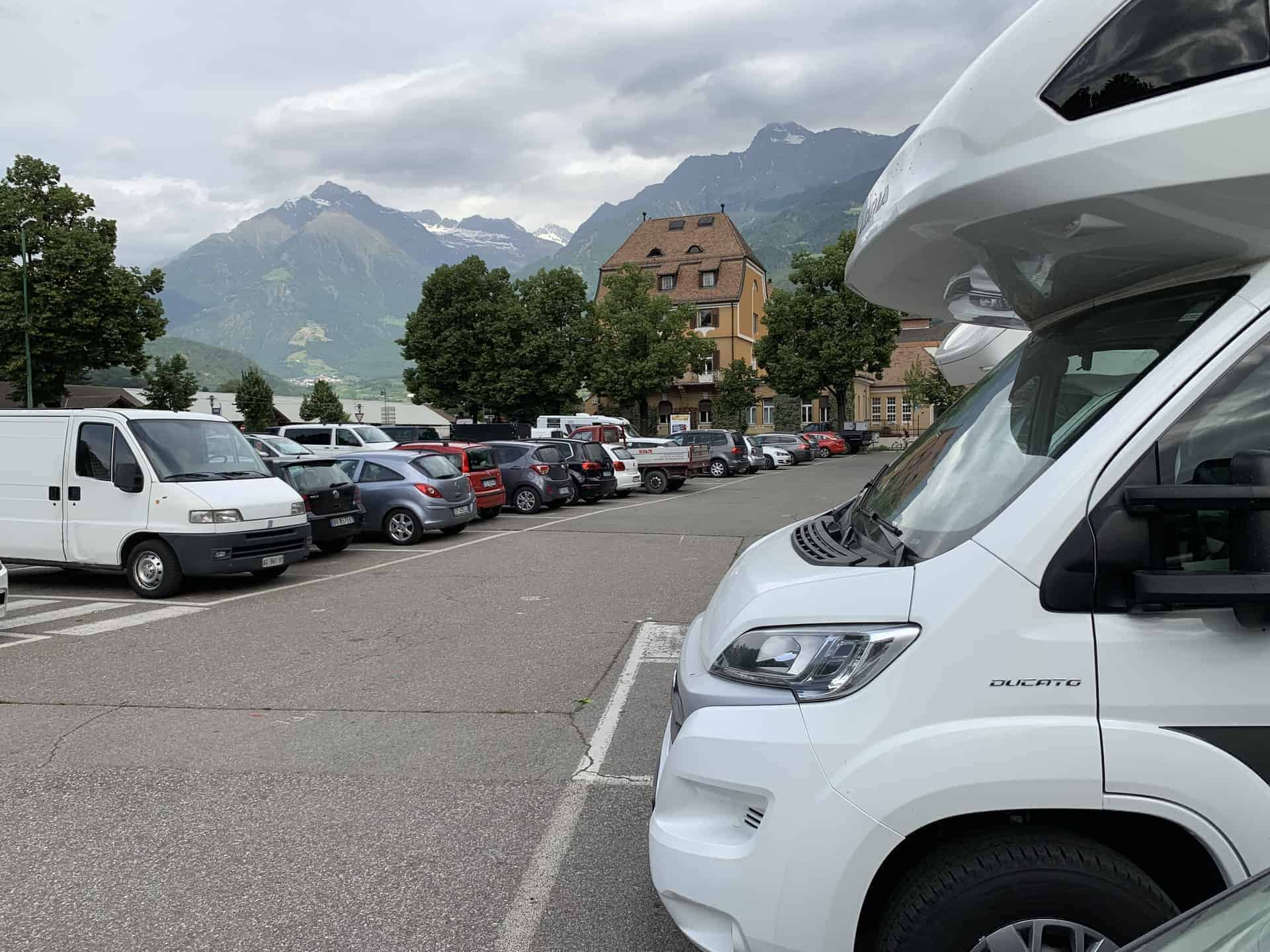 Meran_Parkplatz_Am_Morgen