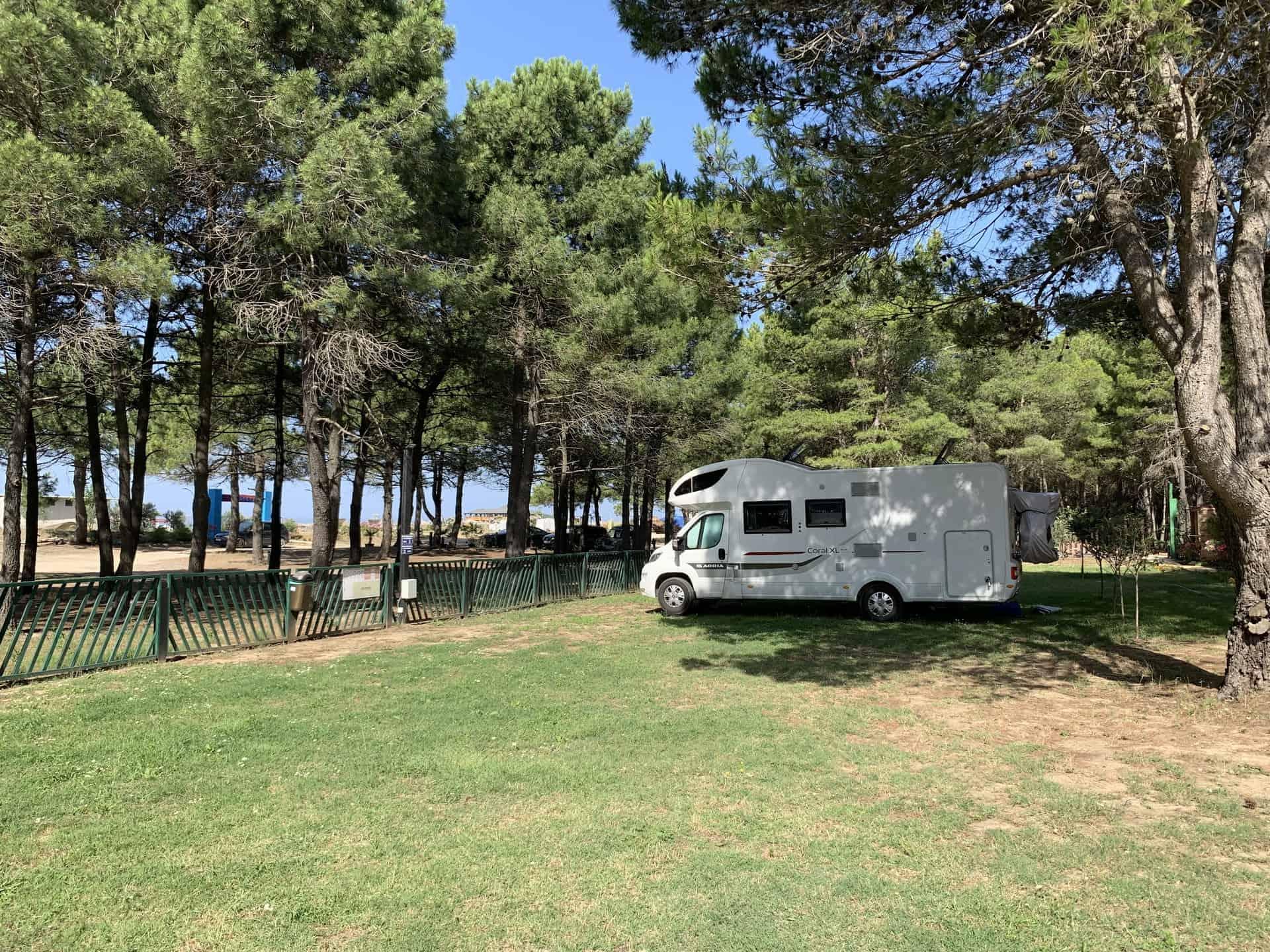 Montenegro_Sarande_Camp_viel_Platz_auch_in_der_Hauptsaison