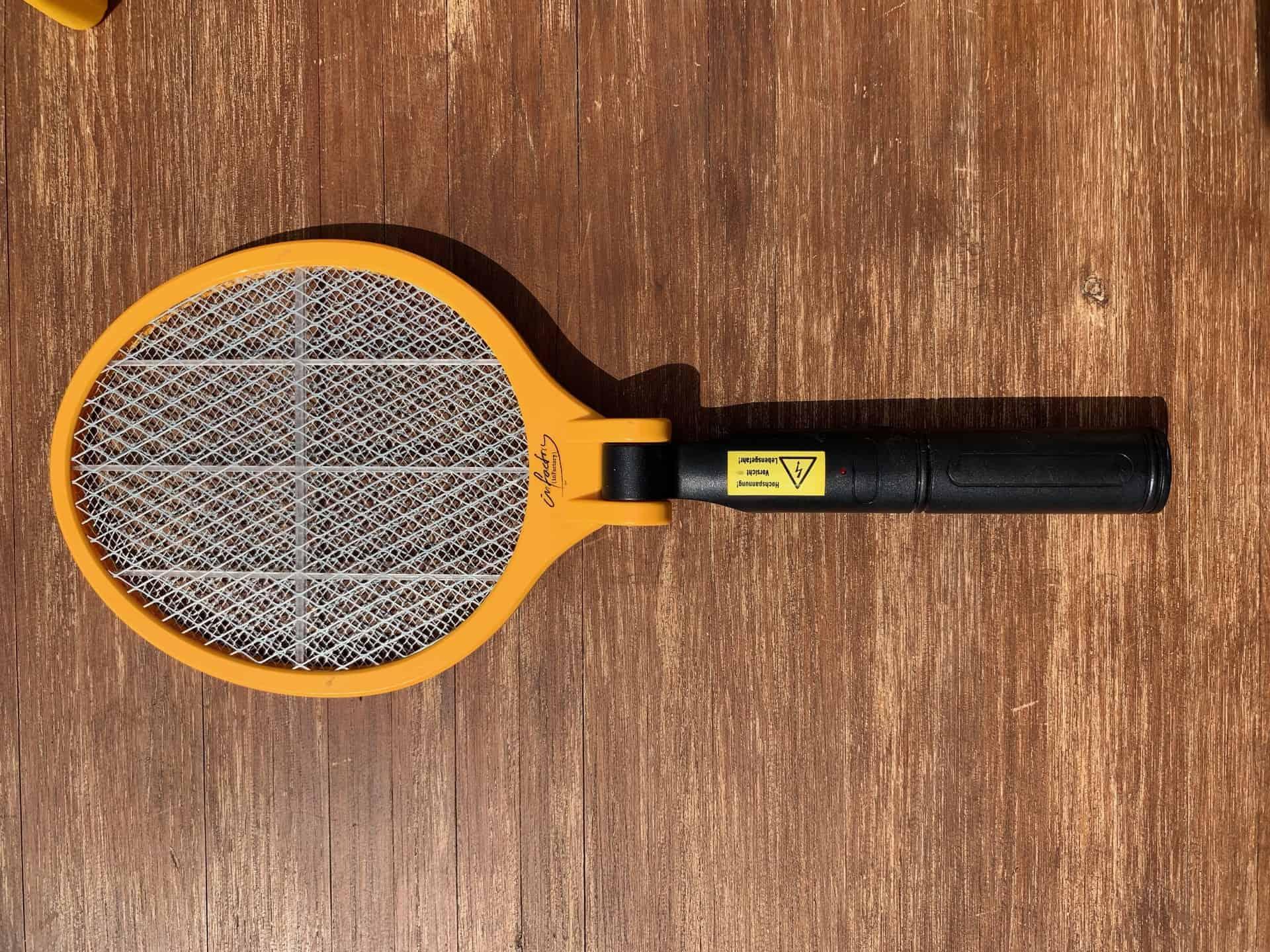 Mückenschutz_Tennisschläger_Mückenkiller_Der_Gerät