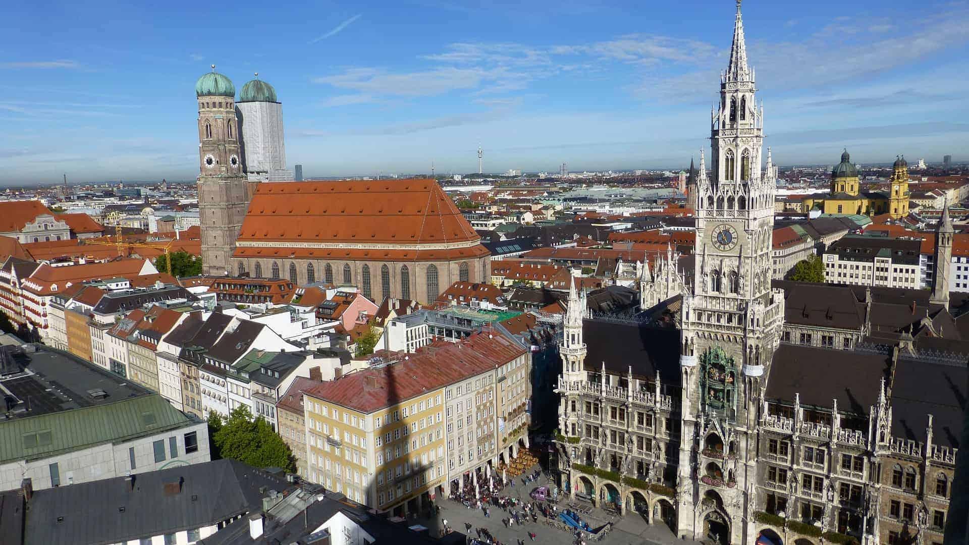 München_Aussicht_Marienplatz_Frauenkirche