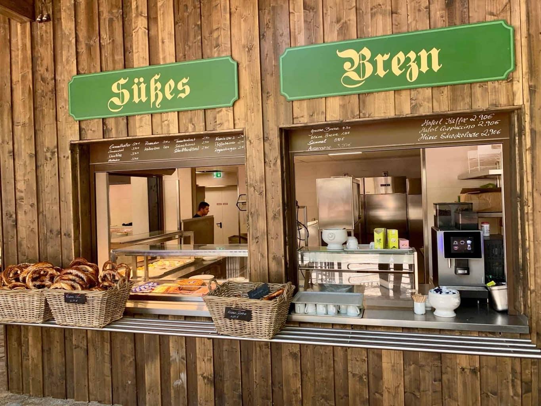 München_Biergarten_Augustiner_Süsses_Brezn