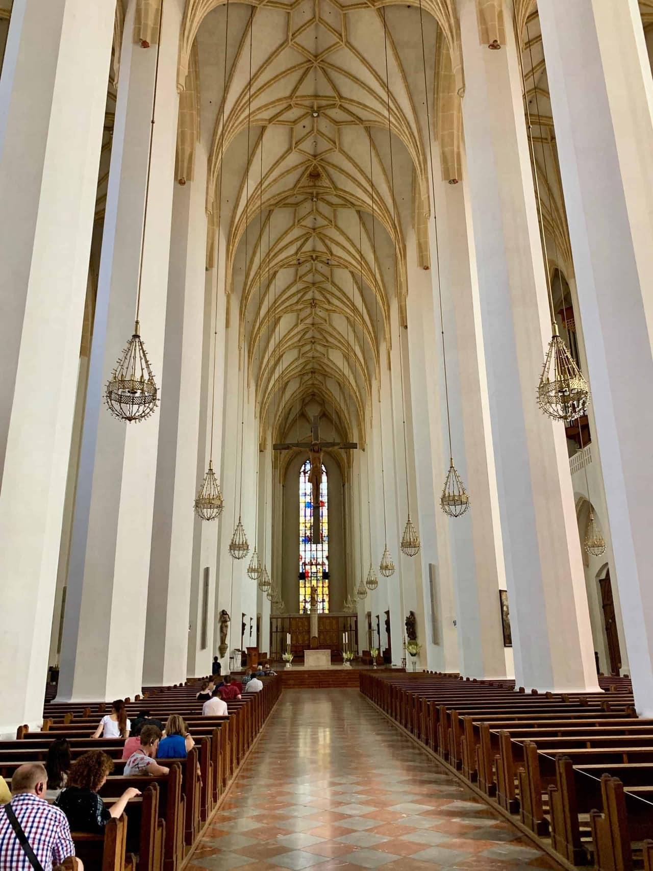 München_Frauenkirche_Innenschiff
