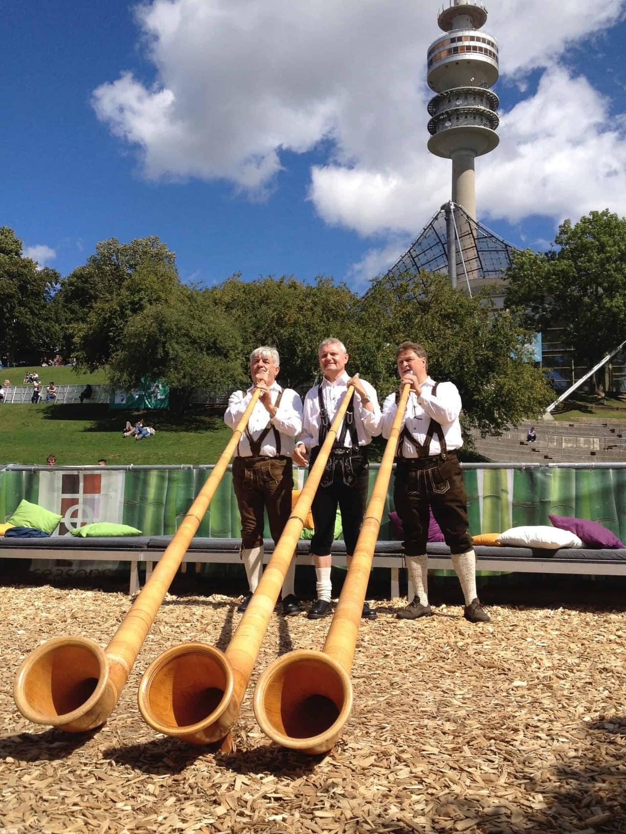 München_Olympiapark_Event_Alphornblasen