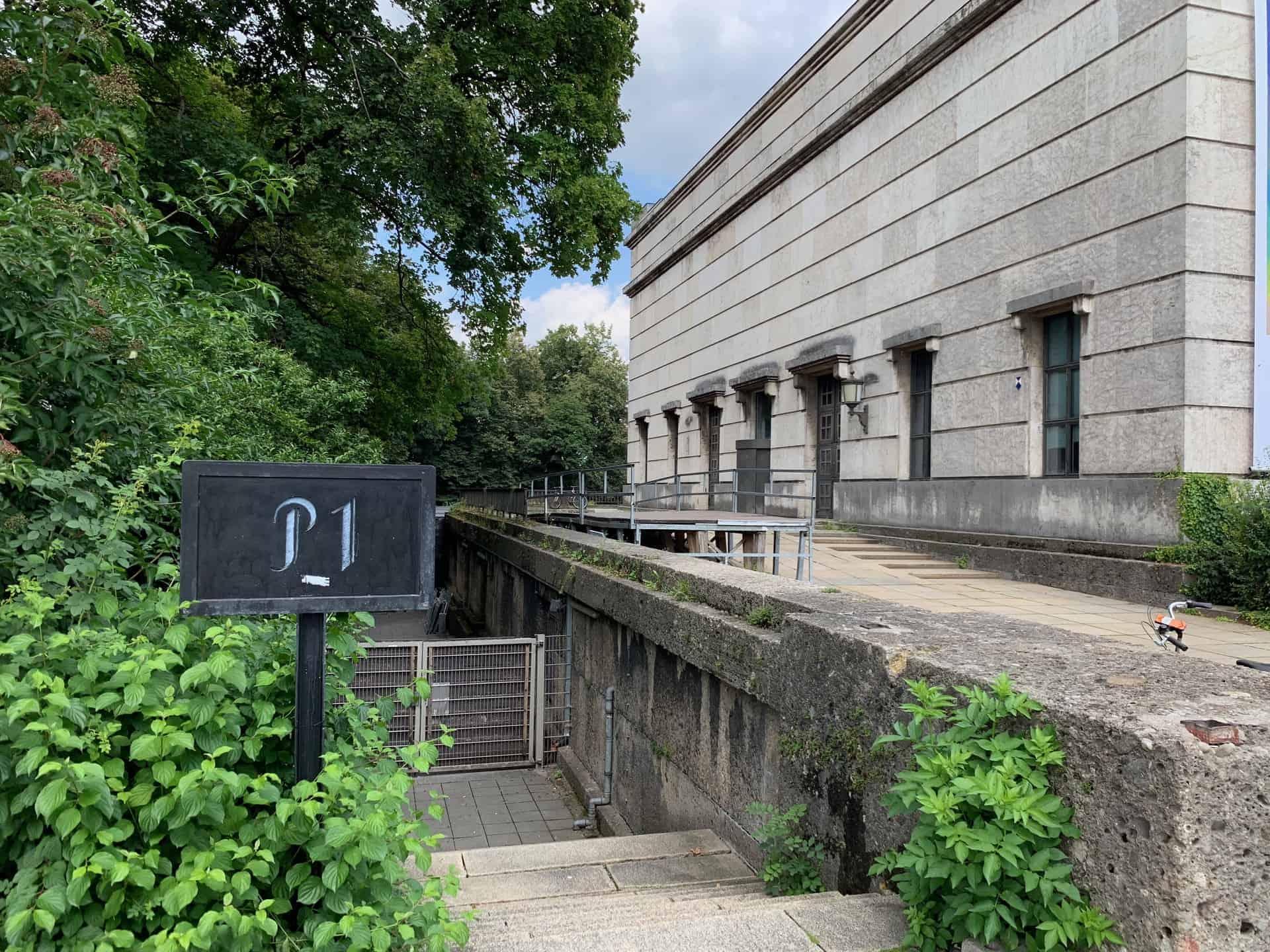 München_P1_Eingang