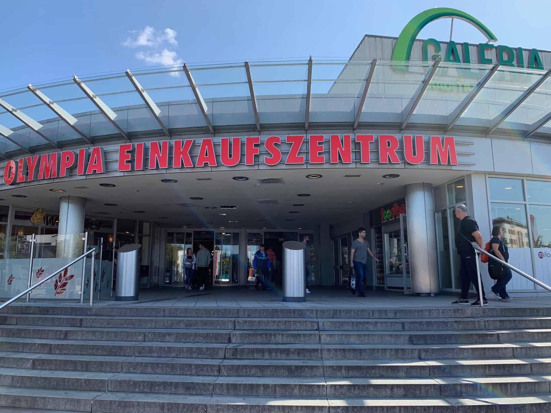München_Shopping_Olympia_Einkaufszentrum_Der_Hautpteingang