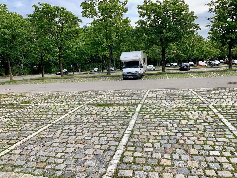 München_Studentenstadt_PR_Parkplatz_Doppelparkplätze
