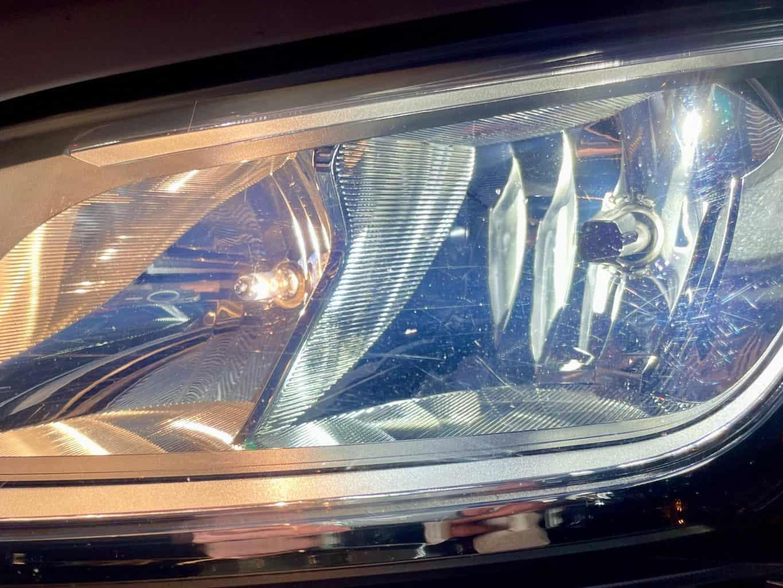 OSRAM-Nighbreaker-H7-LED-Ducato-Scheinwerfer-H7-LED-rechts-Abblendlicht-H7-Halogen-links-Fernlicht-Nahaufnahme