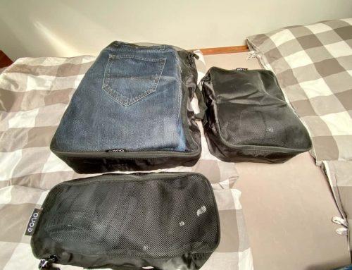 Kleidung in Packtaschen fürs Wohnmobil und Rucksack