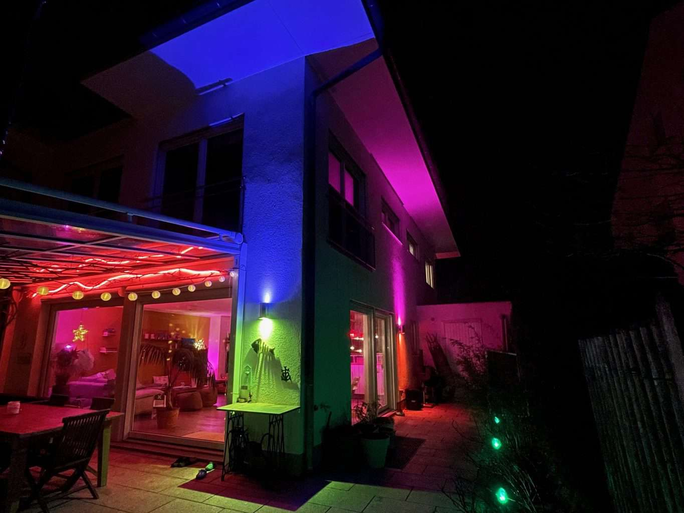 Philips-Hue-Ambiente-LED-Light-und-Light-DJ