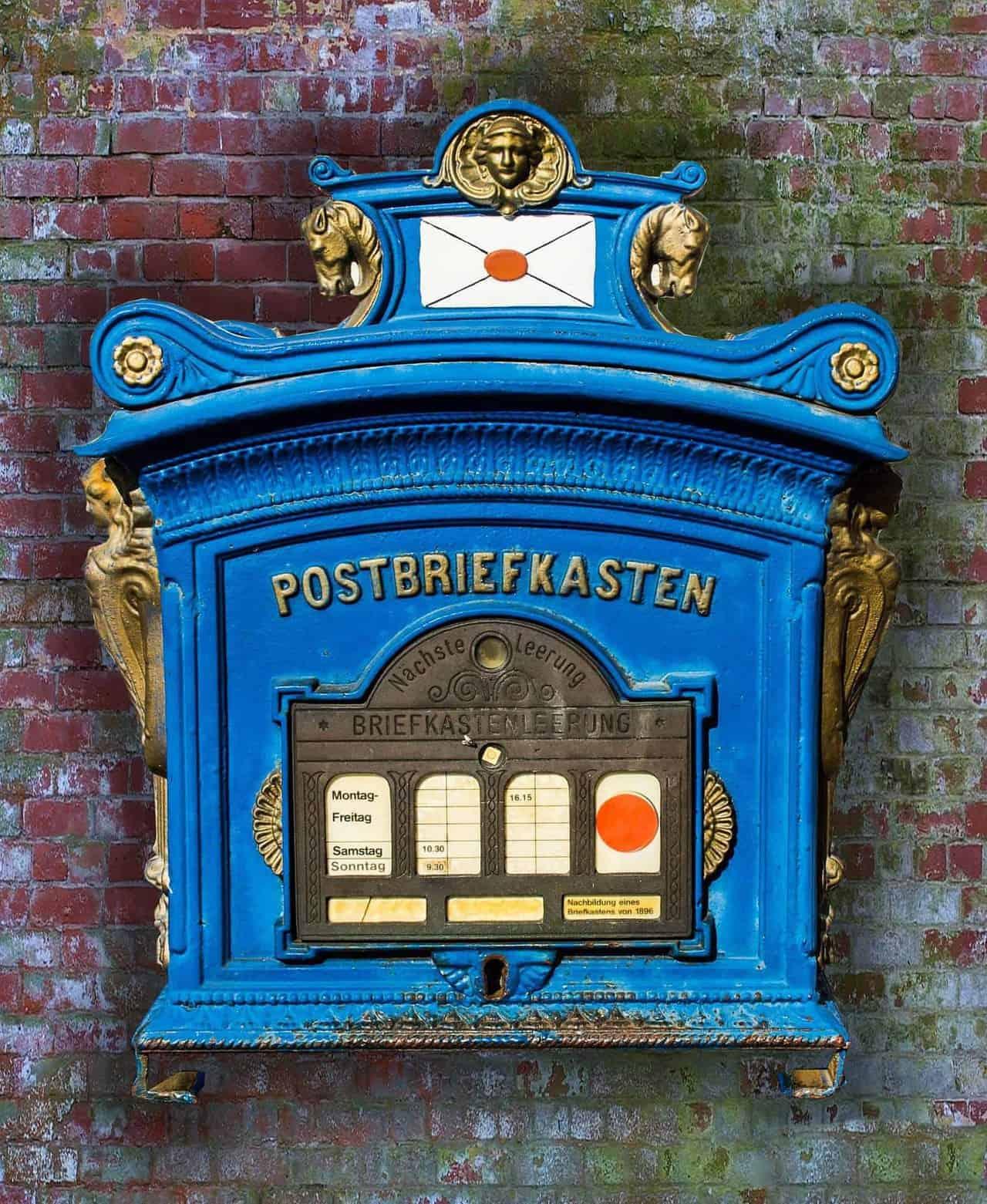 Postbriefkasten_blau