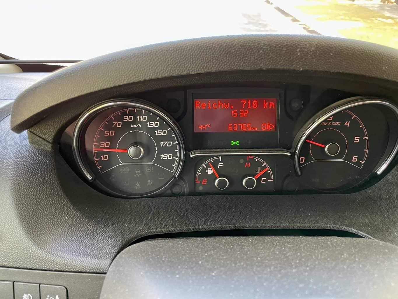 Putignano-Rekordaussentemperatur-44-Grad-vor-dem-Wohnmobil-1
