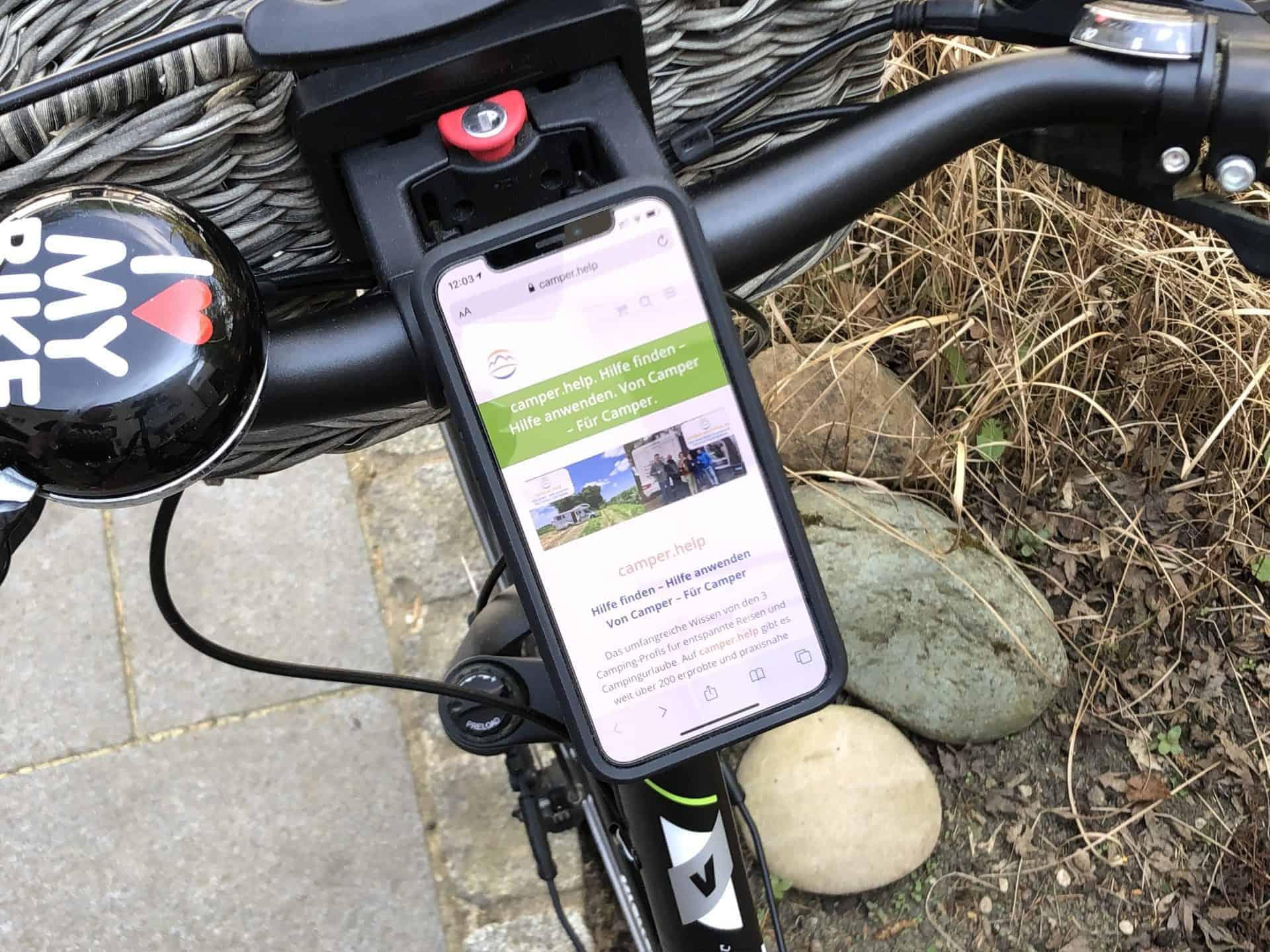 Quad_Lock_Fahrradhalterung_Vorbau_mit_Handy