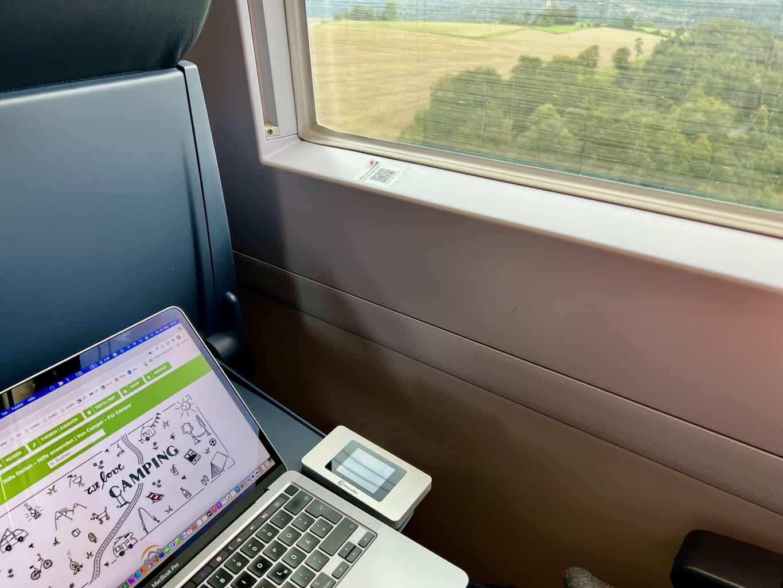 Reisen-Bloggen-arbeiten-campen-mit-GlocalMe-U3X-mobiler-WLAN-Router-mit-Dual-Modem