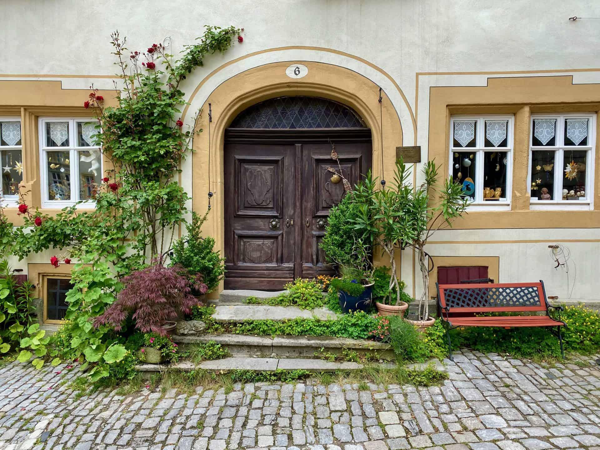 Rothenburg-ob-der-Tauber-Tür-am-Dom