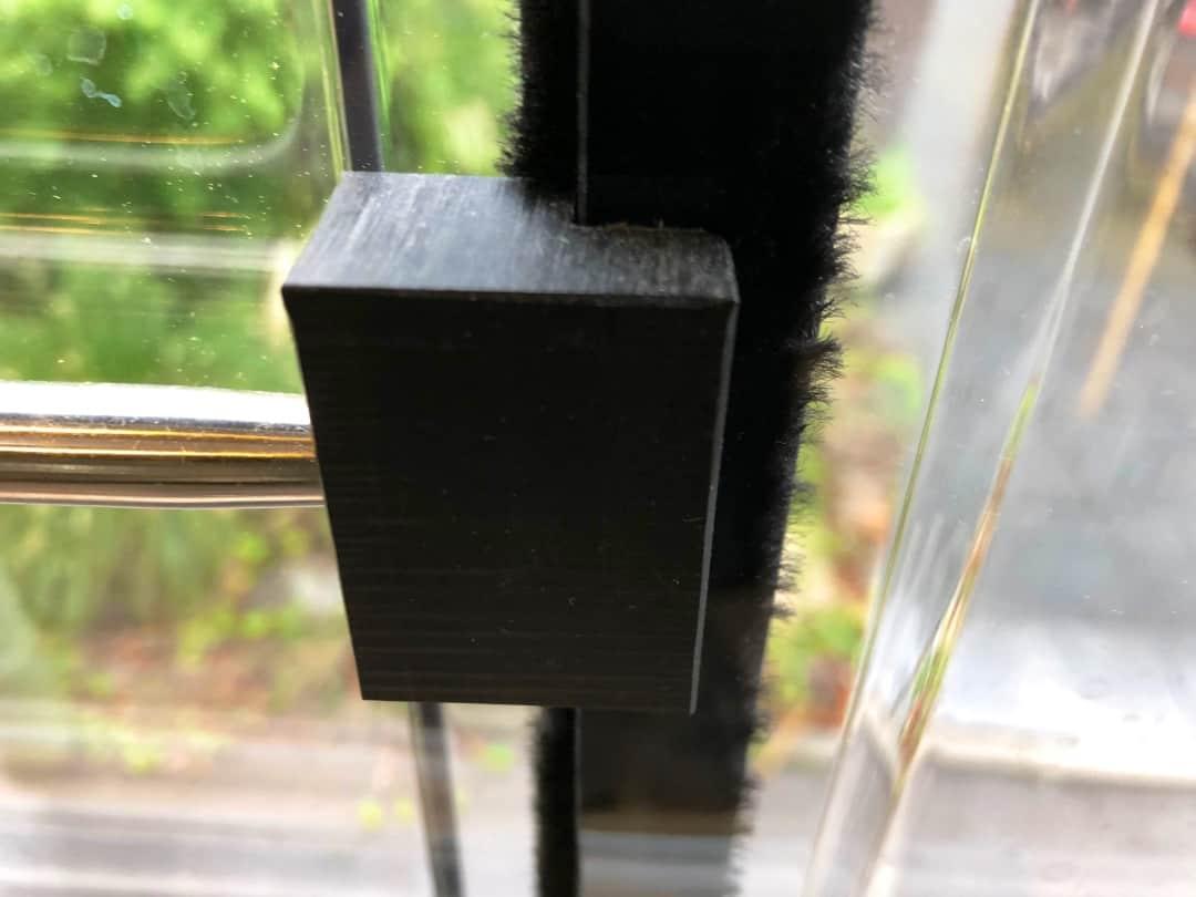Sicherheitsprofil WoMo Sicherheit Klemmstange Details Dometic Fenster