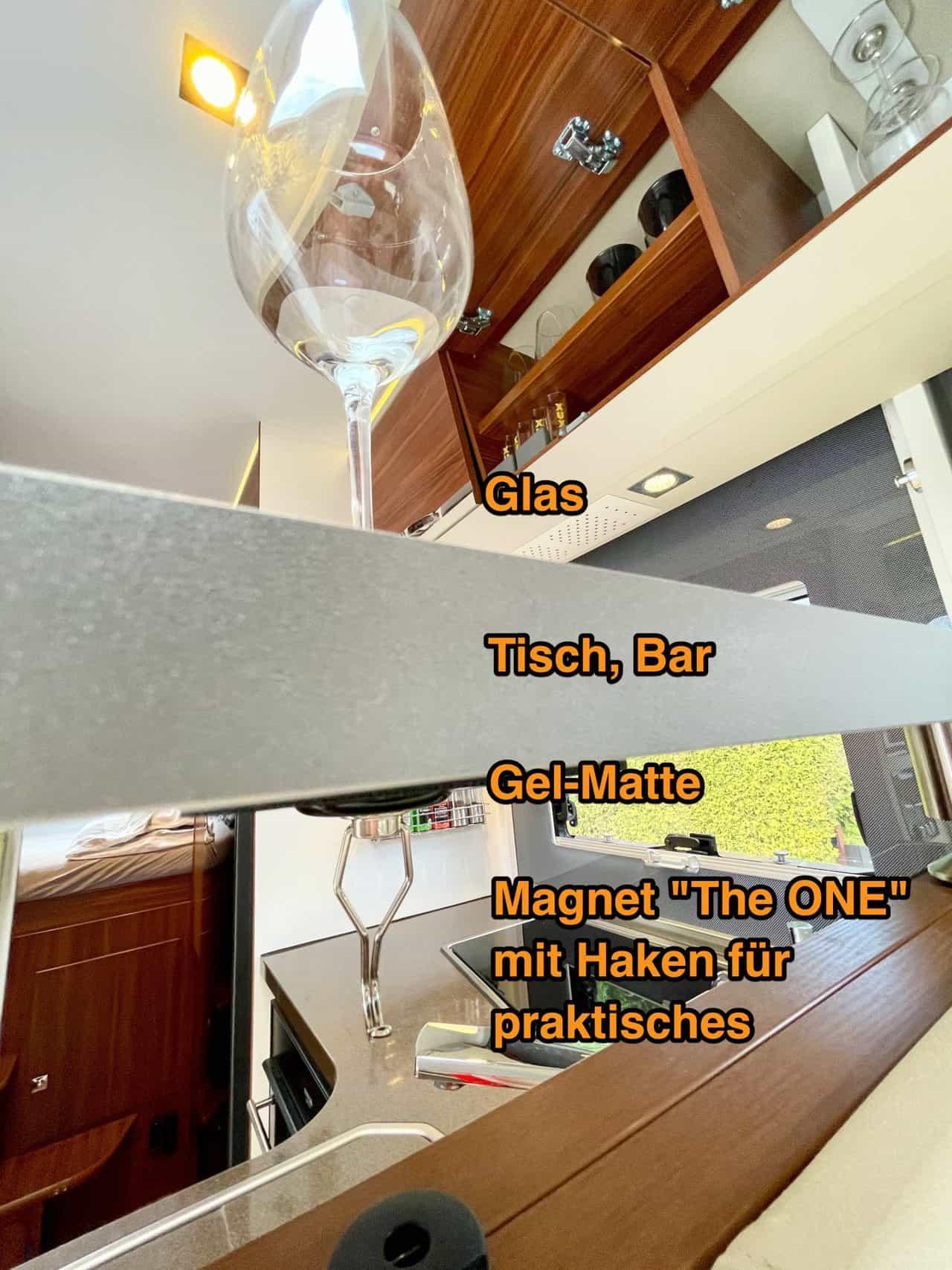 Silwy-Gel-Pad-Hack-mit-Weinglas-Der-Trick-mit-dem-Pad-unten-beschriftet