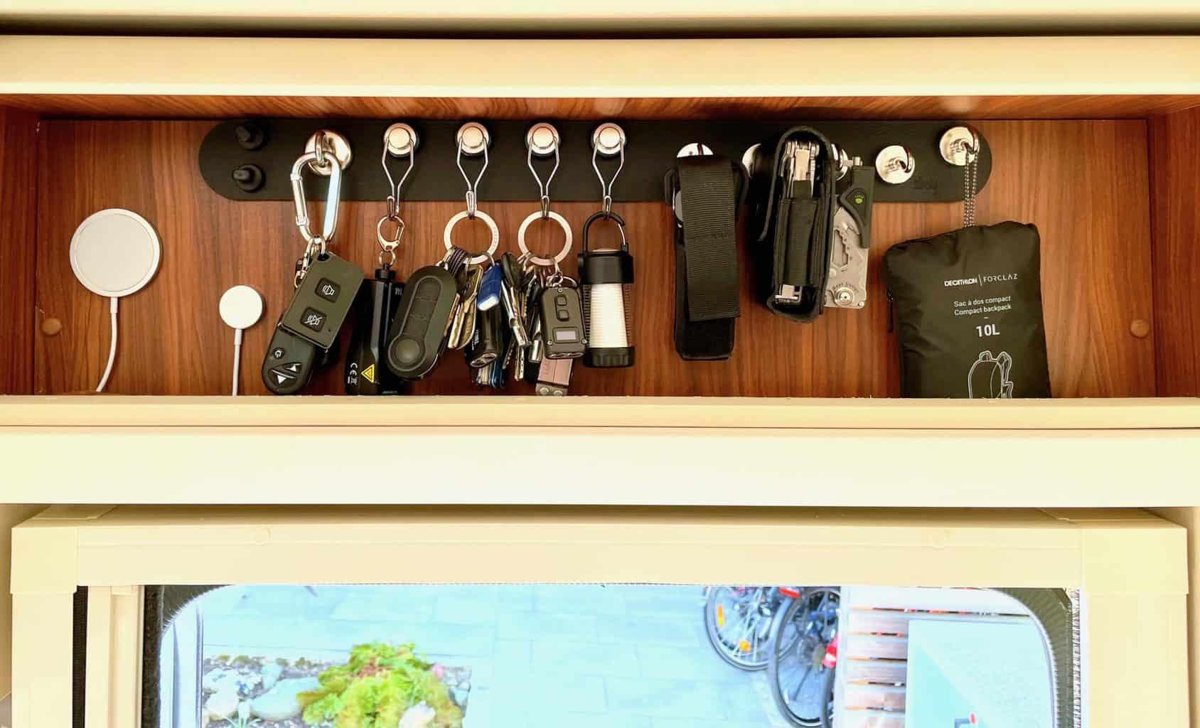 Silwy-Schlüsselbrett-Schlüssel-Taschenlampen-Leatherman-LED-Wohnmobil-Eingang4