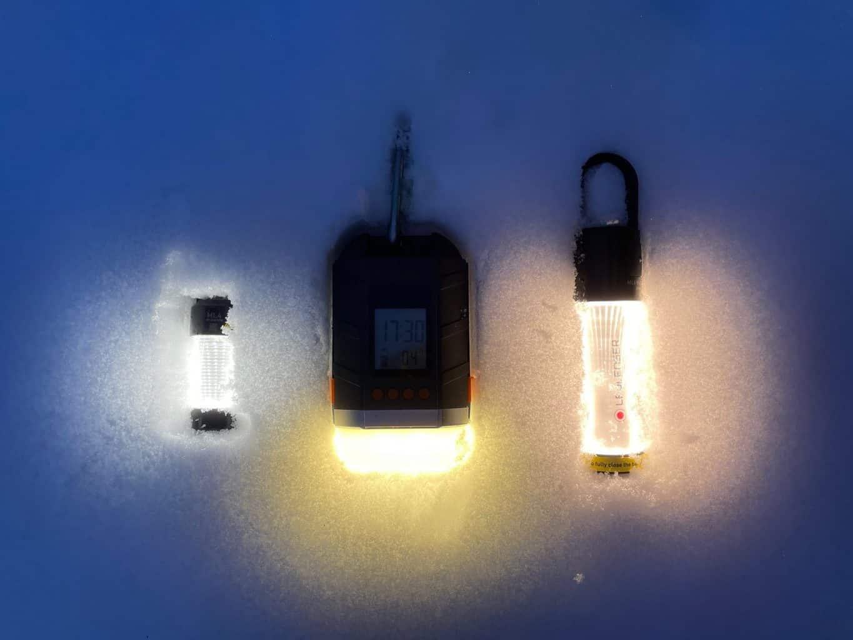 Test-Ratgeber-Die-besten-3-Camping-LED-Outdoor-Laternen-Lampen-Ledlenser-ML4-ML6-Sinvitron-Power-Bank-im-Schnee