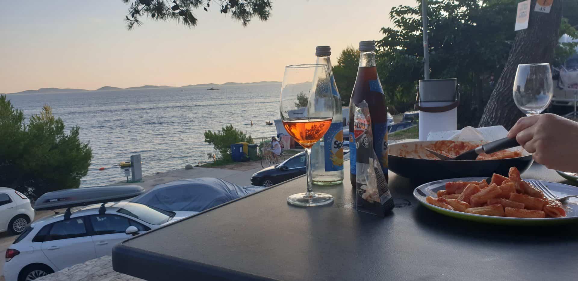 Test-Ratgeber-Top-5-Campingtisch-Christoph-Abendstimmung-Meer