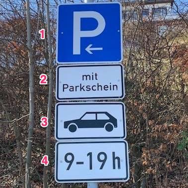Verkehrszeichen_315_mit_Zusatzzeichen_1052-33_und_1048-10_und_1040-31-markiert