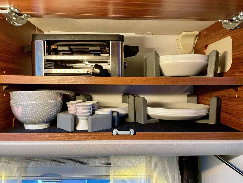 WMF-Raclette-Set-Kompakt-im-Wohnmobil-Schrank-verstaut