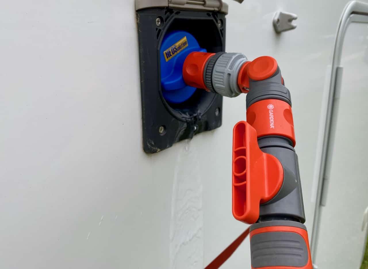 Wasserversorgung-Wassertank-Wasserdruck-mit-Gardena-Ventil-senken