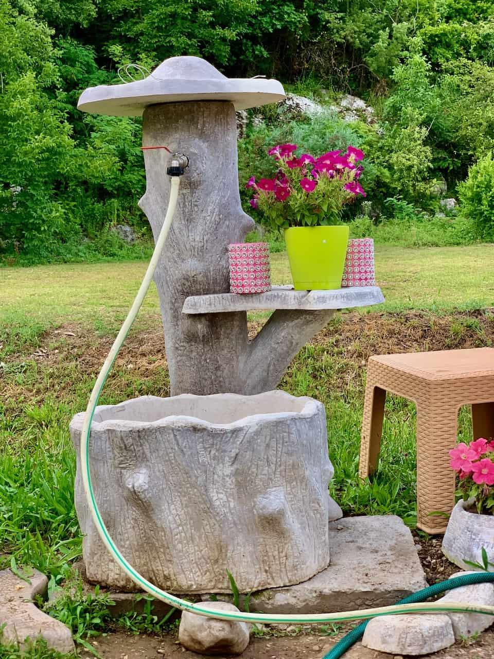 Wasserversorgung-verschiedenste-Wasser-Anschlüsse-und-Quellen-auf-dem-Land