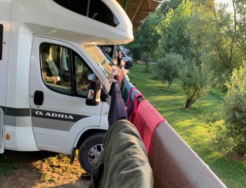 Zurrgurt als beste und stabilste Wäscheleine beim Camping